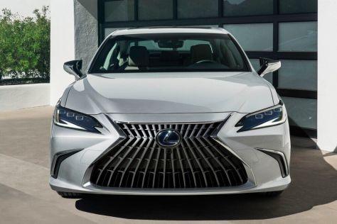 В России стартовали продажи обновленного Lexus ES