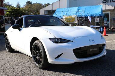 Mazda MX-5 облегчили до 990 кг