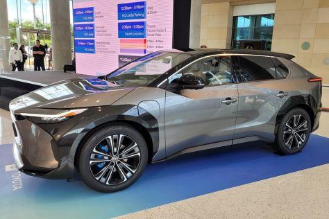 Toyota считает, что электромобили нужны не всем