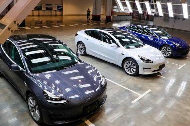 Компания Tesla стала стоить 1 трлн долларов на фоне рекордных продаж электромобилей