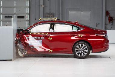 Краш-тесты Euro NCAP: восемь отличников, «ударник» и троечник Duster