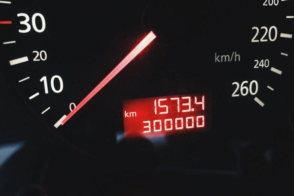 В гостях у «дяди Васи». 300 000 километров на Ладе и иномарке: кто крепче?
