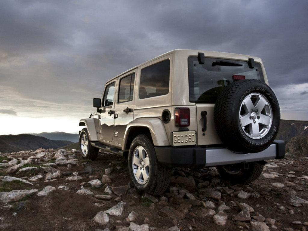 Запчасти на jeep wrangler jk