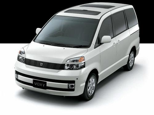 Toyota Voxy 2001 - 2004