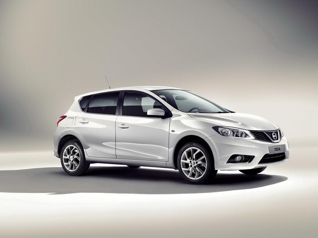 Nissan Tiida 2015 - 2016