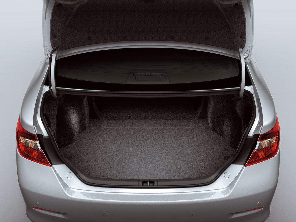 Toyota Camry 8 багажник