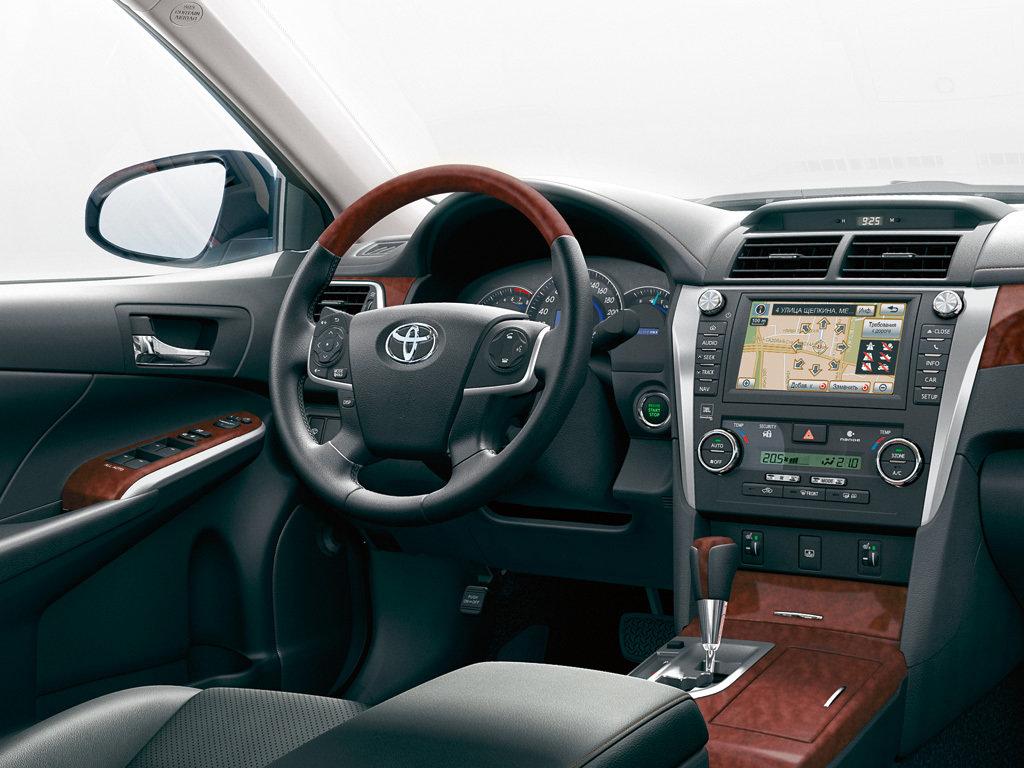 Toyota Camry 8 салон — описание модели
