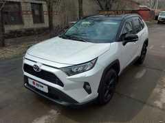 Белогорск Toyota RAV4 2020