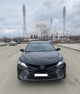 Грозный Toyota Camry 2020