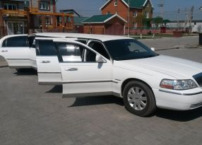 Абакан Town Car 2004