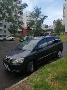 Усть-Илимск Avensis Verso 2003