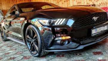 Грозный Ford Mustang 2016