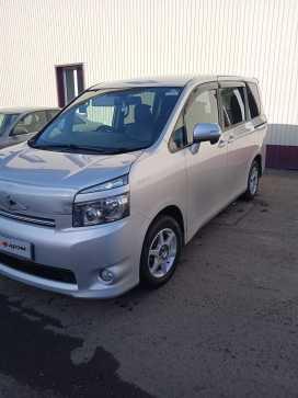 Канск Toyota Voxy 2009