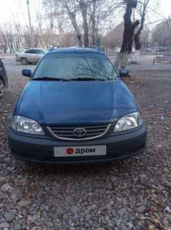 Кызыл Avensis 2002