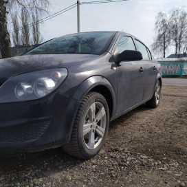 Красное Astra 2010