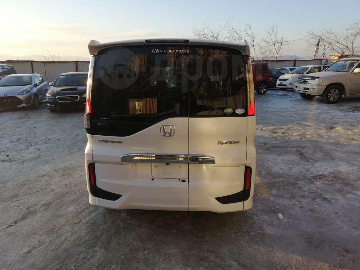 Продам автомобиль Хонда Стэпвэгон 2019 во Владивостоке ...