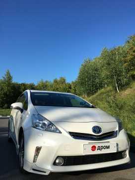 Prius Alpha 2012