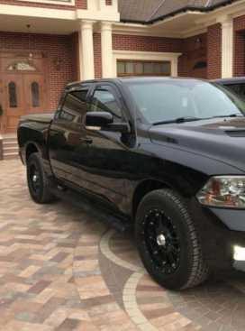 Грозный Dodge Ram 2012