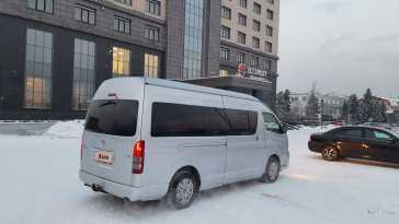 Кызыл Hiace 2011