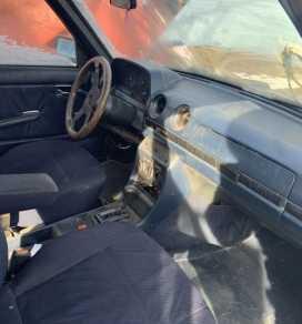 Грозный W123 1982